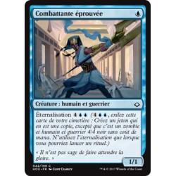 Bleue - Combattante éprouvée (C) [HOU]