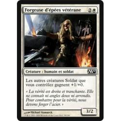 Blanche - Forgeuse d'épées vétérane (C)